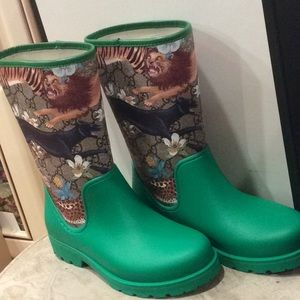 💕new Gucci monogram girls green rain boots Sz 33